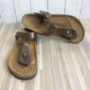 Birkenstock Gizeh Sandals 39 / 8.5M Golden Brown T